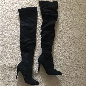 Shoes - Over the knee ruffled boots